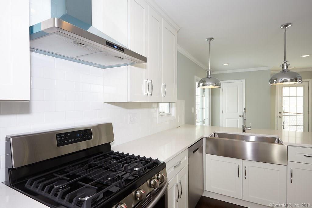 134 Overlook Ave Fairfield kitchen 3