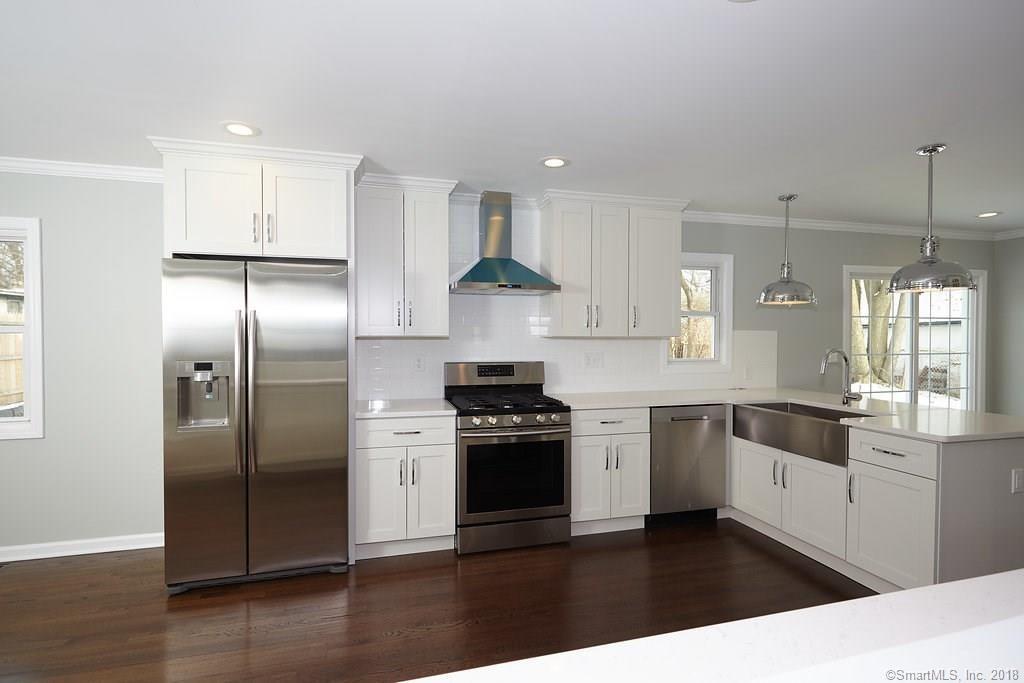 134 Overlook Ave Fairfield kitchen