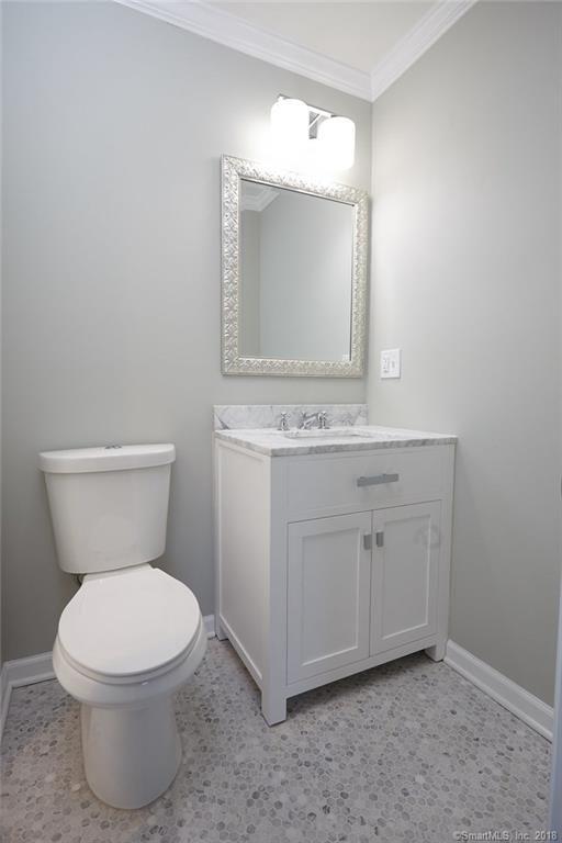 134 Overlook Ave Fairfield vanity